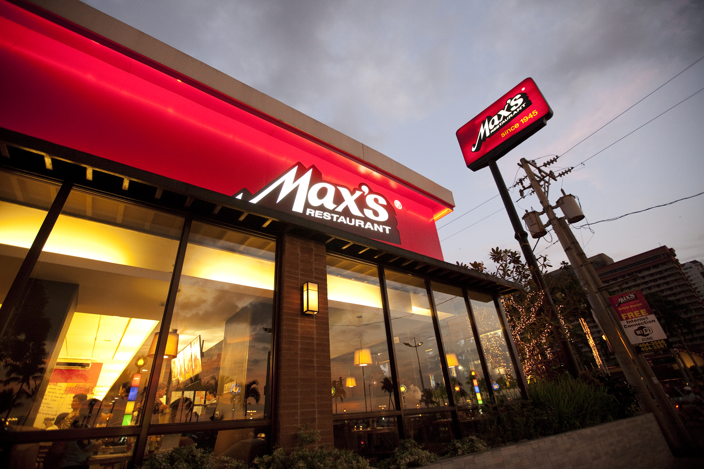 Max's Launches Classic Chicken Burger